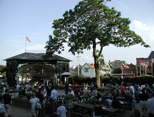 Take a seat at the Rathskeller and relax after a long week of classes by listening to great live music in the outdoors.